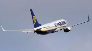 Liverpool, figlio sputa sui passeggeri: Ryanair bandisce madre a vita