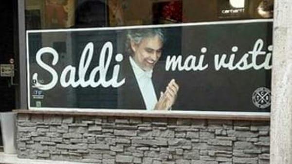 """""""Saldi mai visti"""": pubblicità choc con la foto di Bocelli"""