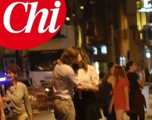 Guarda la versione ingrandita di Daniela Santanchè: bacio appassionato con Dimitri D'Asburgo FOTO