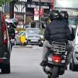 Scippi in motorino in aumento e la polizia non li insegue perché...05