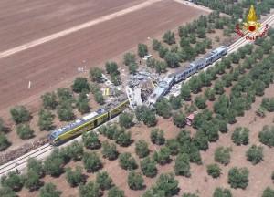 VIDEO YOUTUBE Scontro treni Corato-Andria in Puglia: l'arrivo dei soccorsi