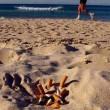 Sigarette, non lasciate i mozziconi in spiaggia: i metalli minacciano il mare