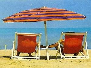 """Spiagge, Corte Ue boccia proroga Italia: """"Concessioni all'asta"""""""