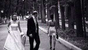 Guarda la versione ingrandita di Sposo sorpreso con la testimone: rissa al matrimonio