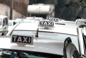 Ferrara, giovane nigeriana sta male, tassista si rifiuta di portarla dal medico