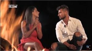 Temptation Island: le lacrime di Valeria. Roberto bussa da Melissa...
