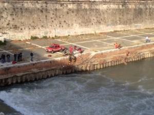Guarda la versione ingrandita di Roma, trovato cadavere nel Tevere a Ponte Marconi