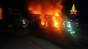 Tir in fiamme su A1 alle porte di Roma, 6 km di coda