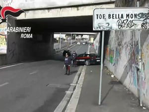 Guarda la versione ingrandita di Roma. Moglie del boss di Tor Bella Monaca abbassa paga ai detenuti