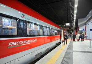 Guarda la versione ingrandita di Trenitalia non rimborsa i pendolari per i ritardi: sanzionata