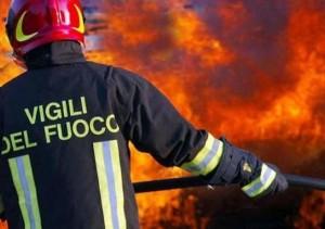 Lecce, vigile del fuoco trovato morto impiccato a un albero