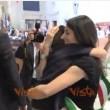 VIDEO YOUTUBE Virginia Raggi abbraccia il figlio in Comune 3