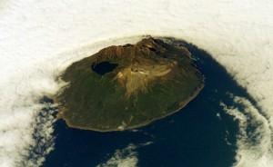 Guarda la versione ingrandita di Antartide, erutta vulcano: oltre 1 mln pinguini a rischio