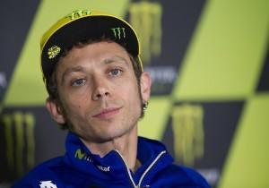 """Guarda la versione ingrandita di Valentino Rossi, la resa: """"Vincere la MotoGp? Se mancassero 100 gp…"""""""