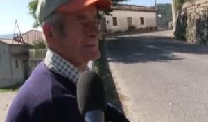 Terremoto, la sentinella col fucile che veglia contro gli sciacalli VIDEO