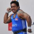 YOUTUBE David Katoatau, il sollevatore di pesi che si mette a ballare 01