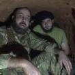 Aleppo, palazzo bombardato: detriti in aria, ribelli scappano nei tunnel3