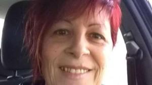 Patrizia Cottarelli morta dopo puntura vespe. Ha calpestato nido durante passeggiata