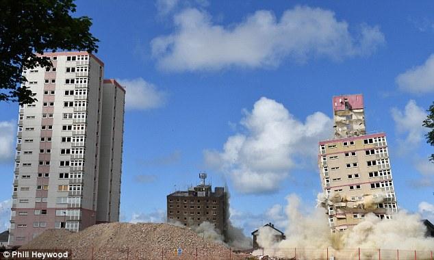 Blackpool, demolizione 2 grattacieli costruiti 50 anni fa 1