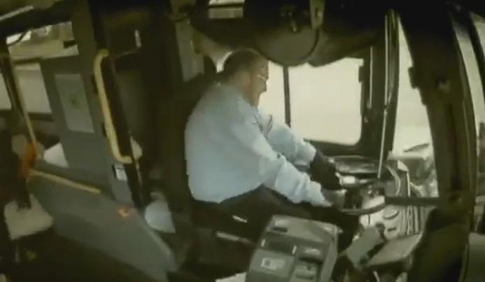 Bus contro suv telecamere interne mostrano l'impatto4