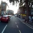 Ciclista sbatte su taxi che non ha messo la freccia5