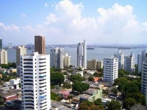 Guarda la versione ingrandita di YOUTUBE Colombia, cade dal 26esimo piano hotel e si salva così
