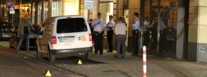 Colonia, un ferito con spari e coltello: due uomini in fuga6
