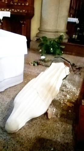 Como, raid in chiesa: mani mozzate statua Vergine3