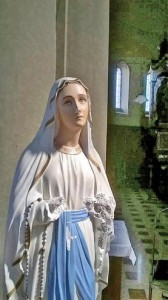 Como, raid in chiesa: mani mozzate statua Vergine5