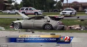 Florida, auto si ribalta quattro volte conducente sopravvive99