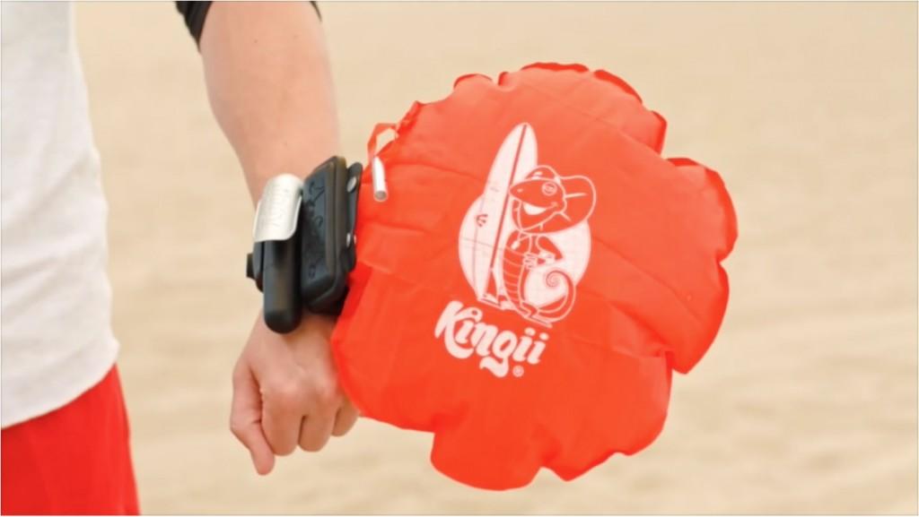 Kingii, orologio-boa che ti salva la vita in mare FOTO