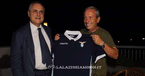 Lazio, giocatori e Lotito citofonano a casa degli 11 abbonati 2