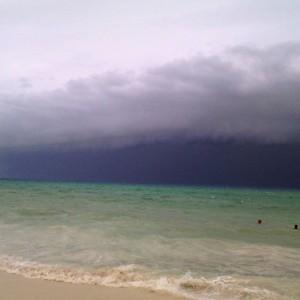 Playa del Carmen (Messico): il cielo diventa nero77