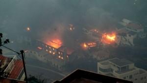 Guarda la versione ingrandita di YOUTUBE Portogallo: incendio Madeira minaccia Funchal, 3 morti