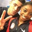 Rio 2016, Simone Biles bacia il suo idolo Zac Efron
