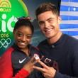 Rio 2016, Simone Biles bacia il suo idolo Zac Efron4