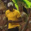 "YOUTUBE Rio 2016: Usain Bolt, ""trenino"" con ballerine samba7"