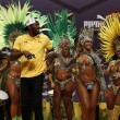 "YOUTUBE Rio 2016: Usain Bolt, ""trenino"" con ballerine samba4"