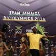 "YOUTUBE Rio 2016: Usain Bolt, ""trenino"" con ballerine samba2"