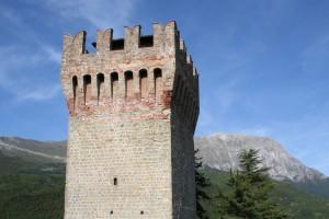 Terremoto Arquata, magnitudo 4,4: crolla parte della Torre della Rocca