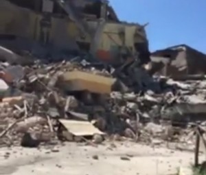 VIDEO Terremoto Amatrice, scuola antisismica crolla