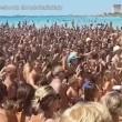 """Salento, in mille cantano sulla spiaggia """"Andiamo a comandare2"""