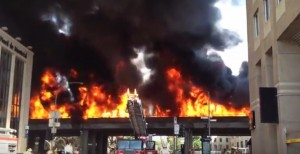 YOUTUBE Montreal, camion cisterna prende fuoco: un morto