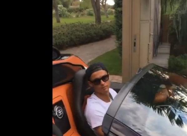 Cristiano Ronaldo con Bugatti Veyron da 2 milioni di euro VIDEO