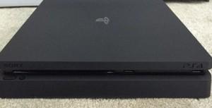 PlayStation 4 Slim, molto più piccola e sottile: le FOTO