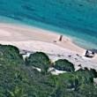 SOS sulla sabbia: così naufraghi salvi su un'isola della Micronesia FOTO 4