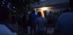 YOUTUBE Ucraina, assalto a case dei rom dopo il ritrovamento di una bimba uccisa