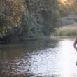 Studentessa FOTO in riva al fiume. Ma dietro... 2