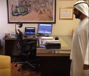 YOUTUBE Dubai, visita a sorpresa dello sceicco: lavoratori assenteisti. Tutti licenziati