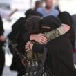 Siria, Manbij liberata Isis: barba tagliata, burka bruciato6